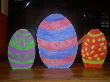 Make these cute Easter egg cards.